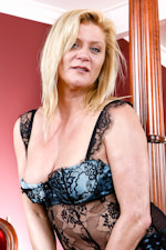 Free naked older women sites