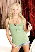 Elaina Raye Picture
