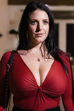 Picture of Angela White
