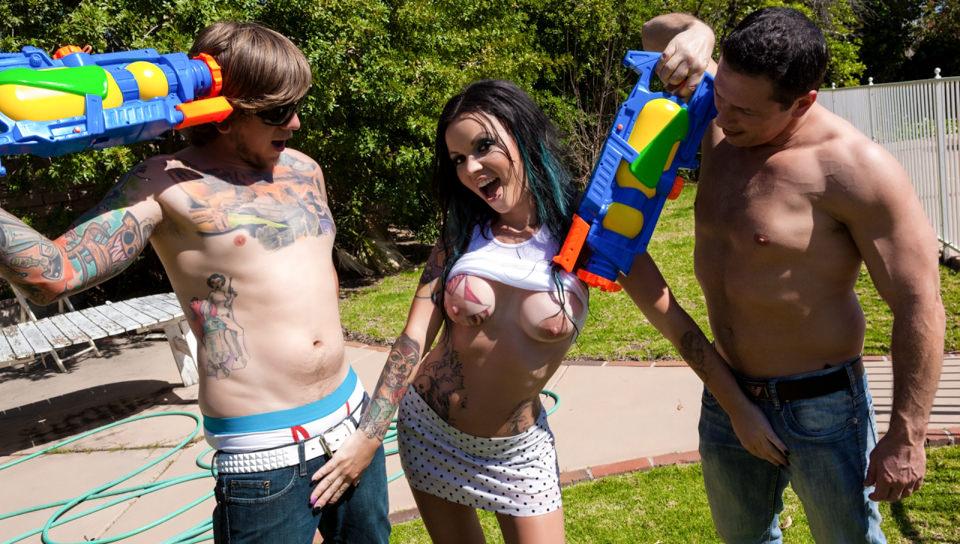Wet Titty DP – Brittany Lynn