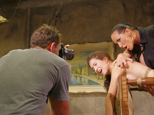 Backstage with Kathia and Friends, Scene #01