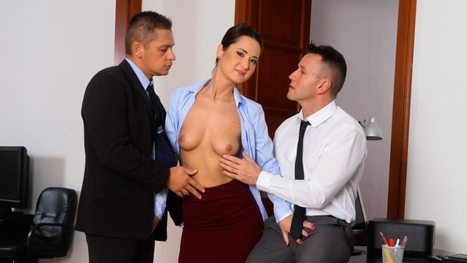 DpFanatics - Sexy Assistant Gets DP