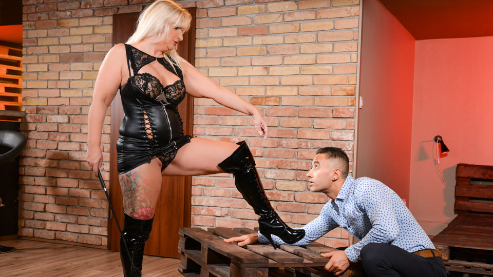 Submissive Client, Scene #01