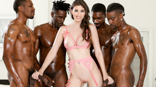 Angelina Diamanti Gangbang