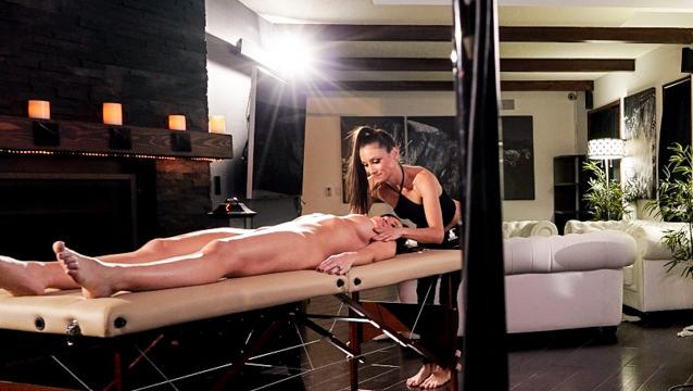 Bubble Butt Lesbian Massage