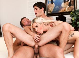 Bi-Sexually Active #02, Scene #01