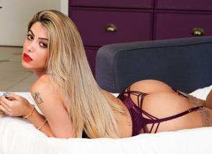 Leticia Castro, Scene #01