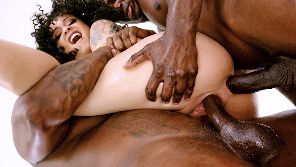 Black Holly's BBC Anal & DP Threesome!
